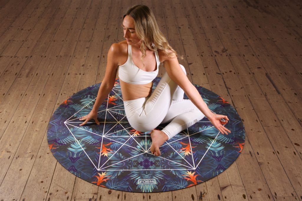Le yoga est l'une des idées les plus physiques pour un évènement de la Fête des Mères.
