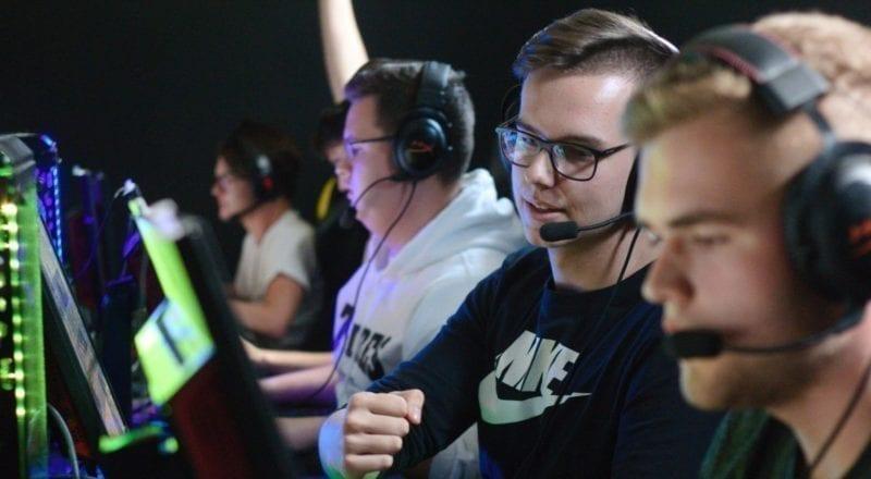 Des joueurs à un tournoi