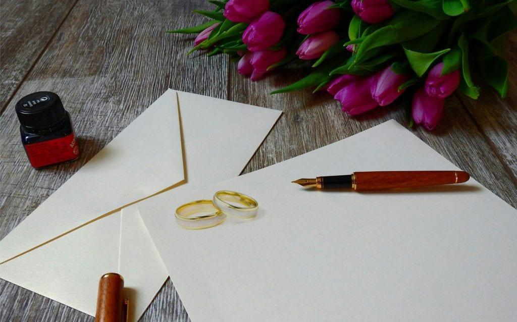 Invitation à un évènement : Utilisez un stylo plume pour des points bonus, mais n'envoyez pas vos alliances.